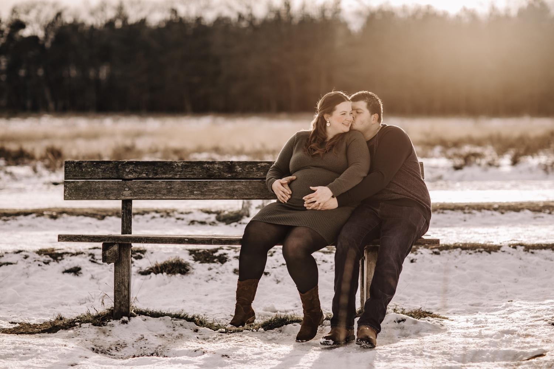 Couple pregnant zwangerschap fotosessie