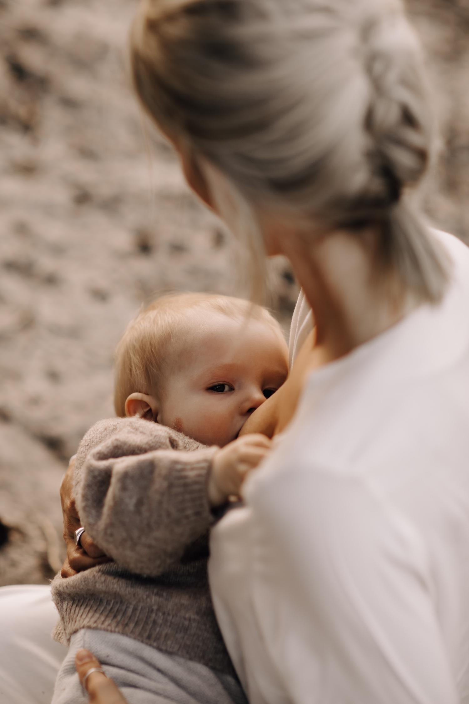 motherhood baby moederschap fotosessie borstvoeding